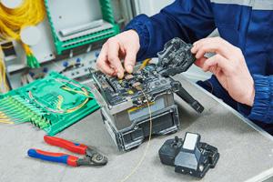 Seluruh proses dikerjakan oleh tenaga ahli yang profesional dan berpengalaman